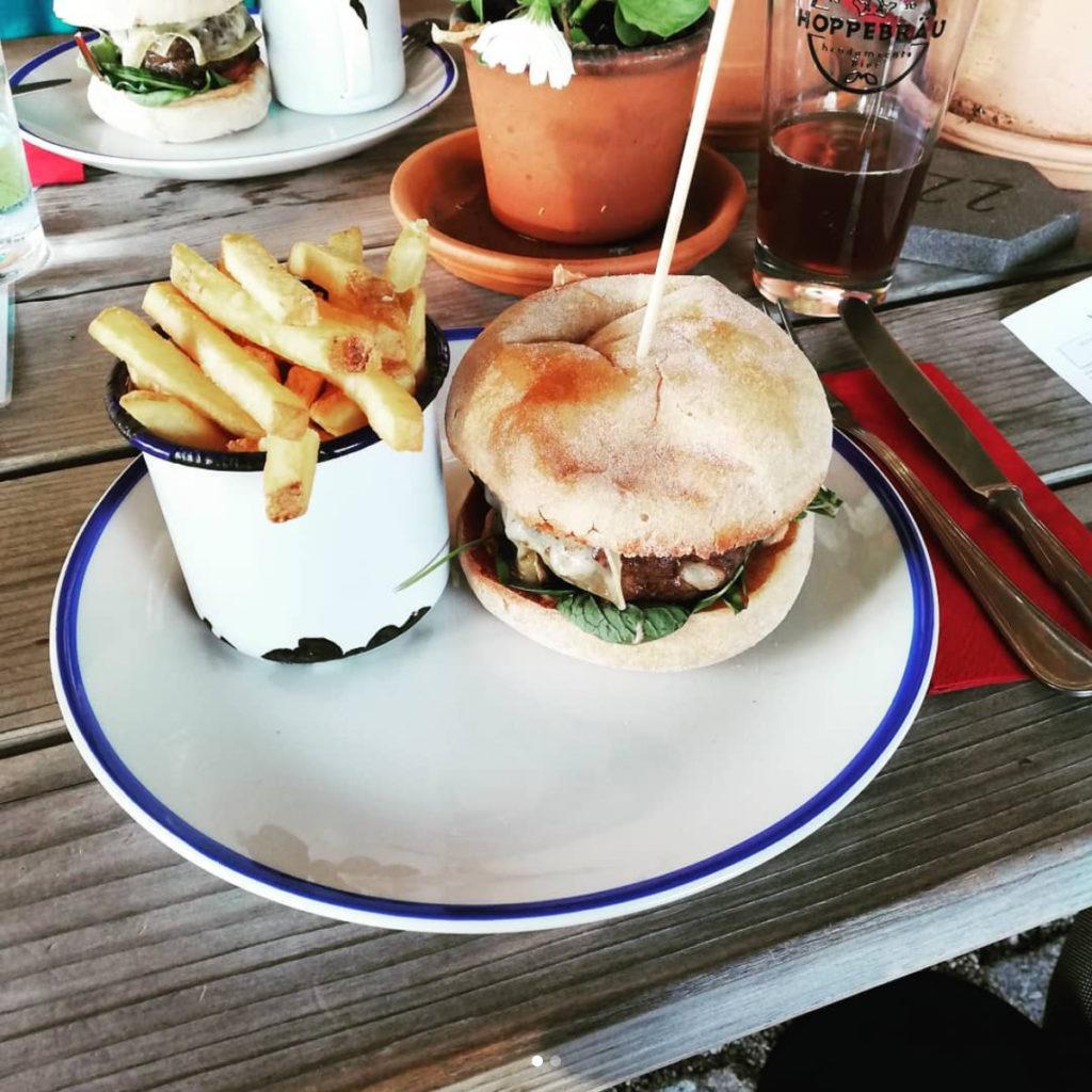Hoppebräu Zapferei Burger (Angus Rind vom Betzinger Hof in Waakirchen)